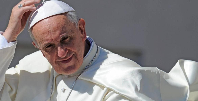 Papa Francisco pide a Nicolás Maduro suspender la constituyente