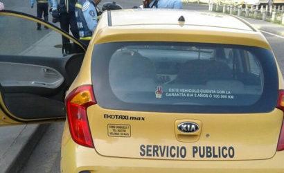 DATT denuncia a taxista que agredió a una agente de tránsito