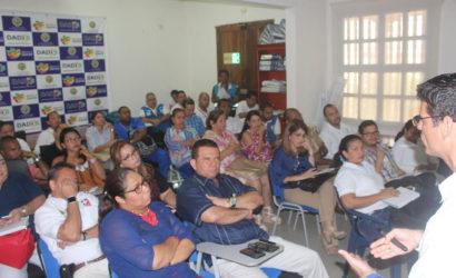 Operadores de ambulancia firman pacto por la vida en las vías de Cartagena