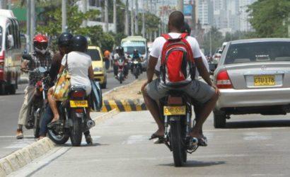 Prohíben tránsito de motos con parrilleros en el barrio Alto Bosque