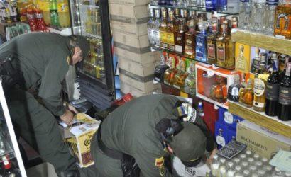 Autoridades suspenden actividad comercial en seis establecimientos del Pasaje Leclerc en el Centro Histórico