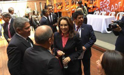 Viviane Morales inscribe oficialmente su candidatura a la Presidencia