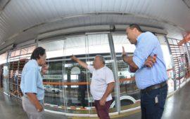 Mantenimiento en puertas de estaciones de Transcaribe es constante